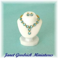 Dolls House Jewellery Bust