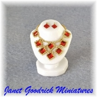 Dolls House Jewellery Bust