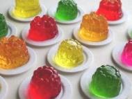 Wobbly table jelly